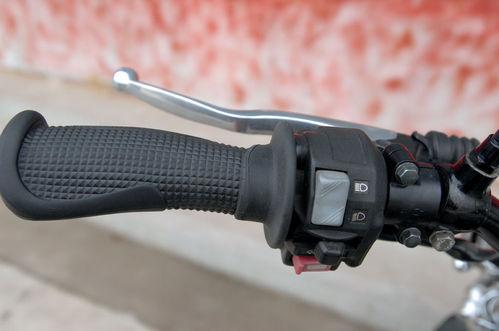 排气管是supertrapp专门为tw200设计的