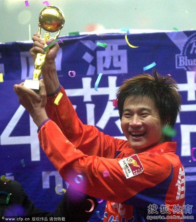 ...李金羽正式退役.今年33岁的李金羽曾于2007年成为中国职业...