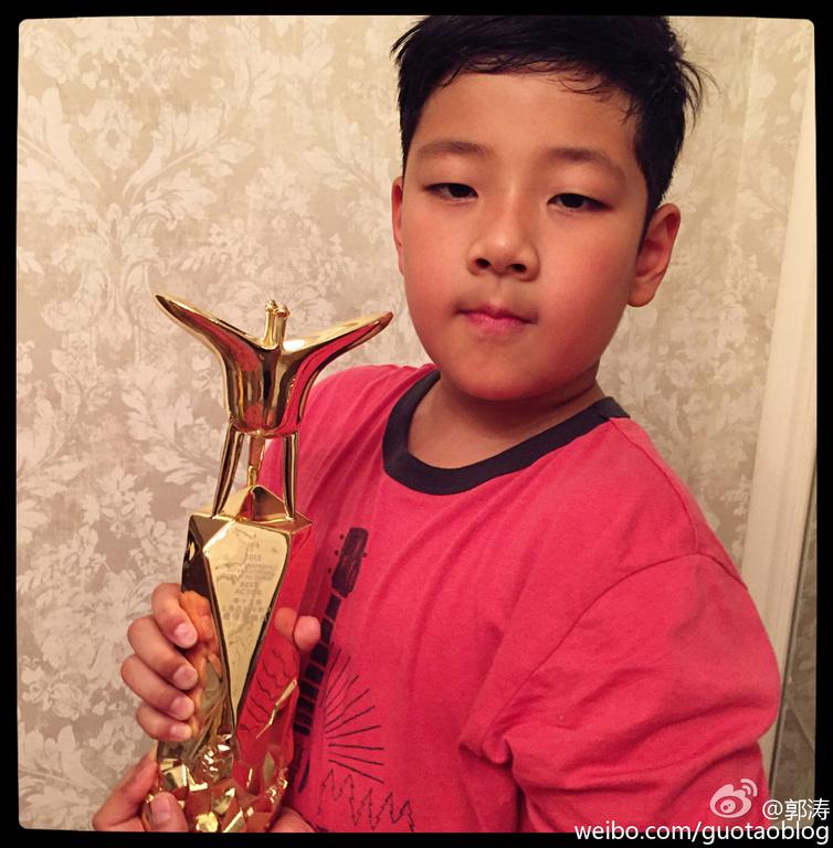 上海滩歌谱妈妈的吻-21日,上海电影节金爵奖获奖名单揭晓,《烈日灼心》三位男主角邓超