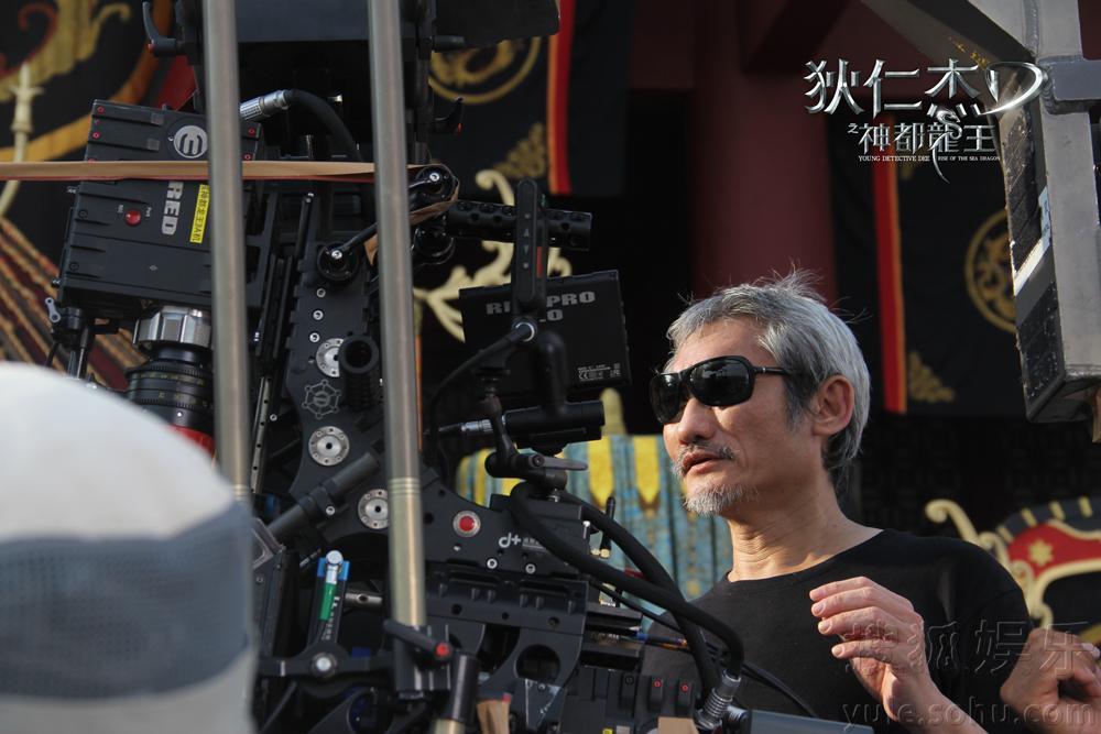 """搜狐娱乐讯 由华谊兄弟出品发行,鬼才导演徐克执导,""""金手指""""陈"""