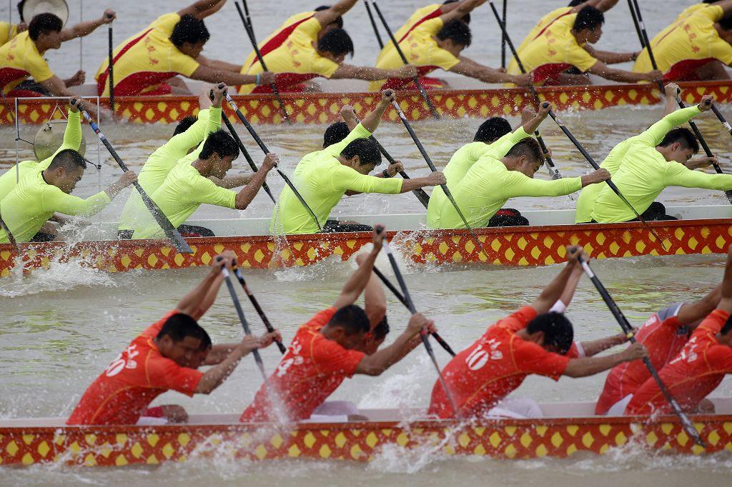 高清图 中华龙舟大赛预赛结束 众选手奋勇向前