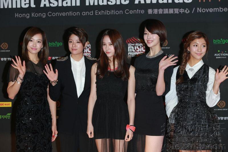 一年一度的MAMA音乐颁奖礼在香港隆重举行,香港当地时间下午16: