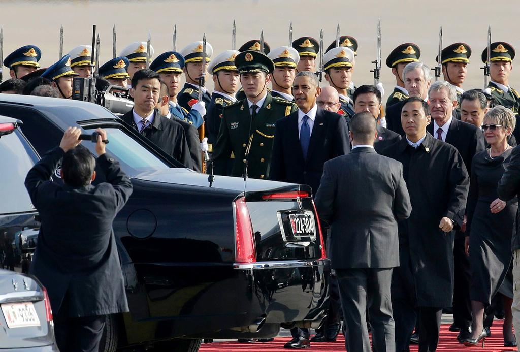 """凯迪拉克加长豪华防弹轿车一同抵京.""""野兽""""的防护性能超过高清图片"""