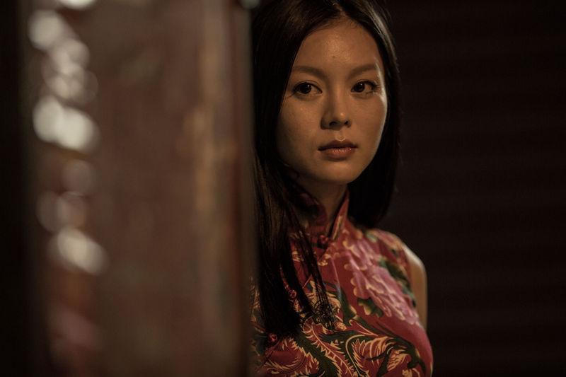 近日,曾出演《一路向西》的女星莫绮雯曝光了一组她出演的最新电影