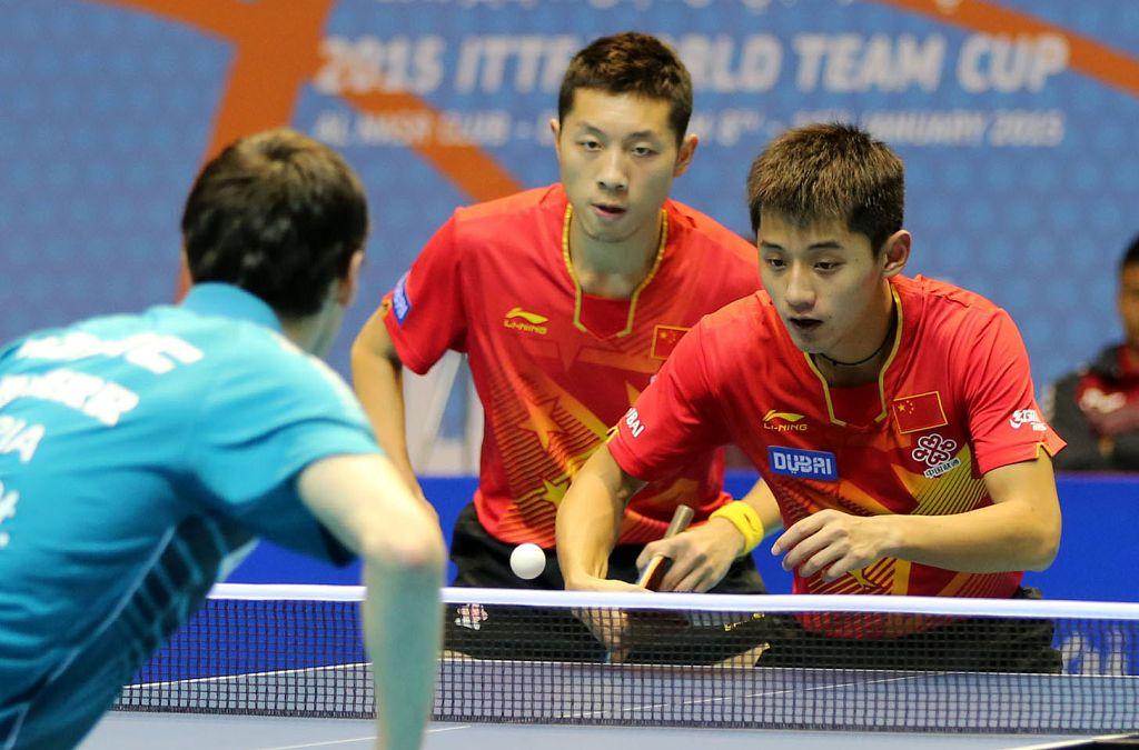 1日,2015乒乓球世界杯团体赛在迪拜展开男团决赛的较量,中国3-
