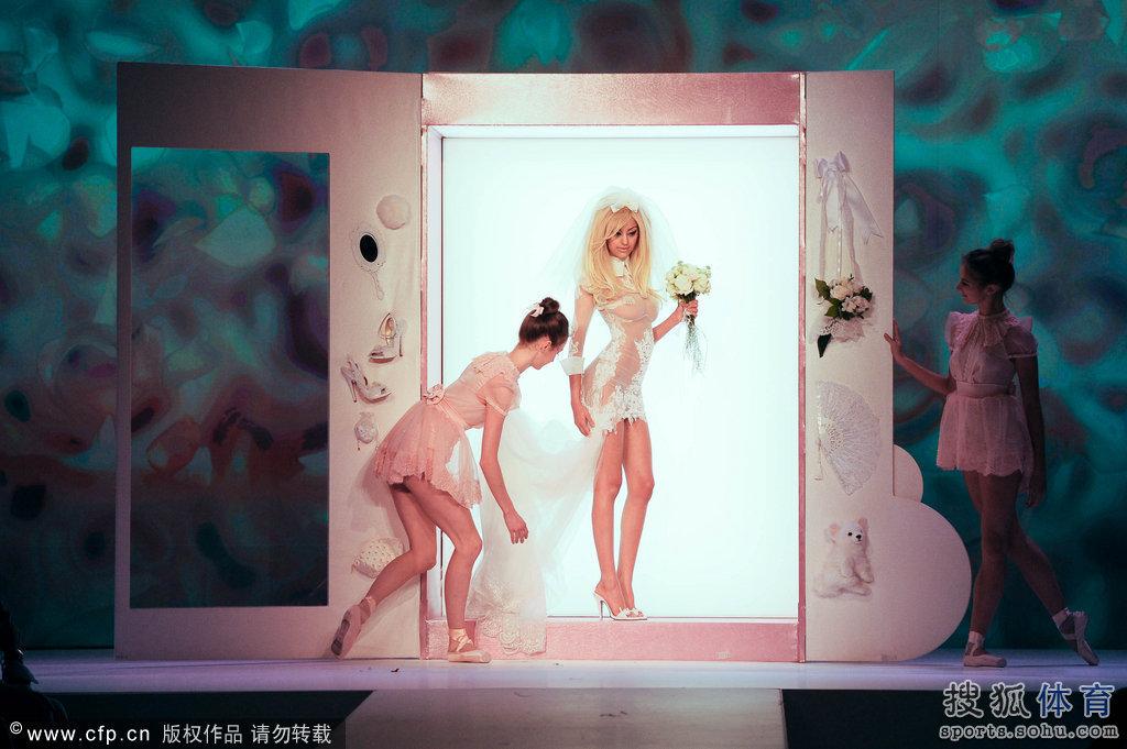 道具:里贝里雏妓门女主角洗浴透视装走秀惊艳美女压轴情趣正在播放v道具高清图片