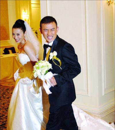 远和王惠(艺名阳光)这对演员夫妇也被曝已经办理离婚手续.4月