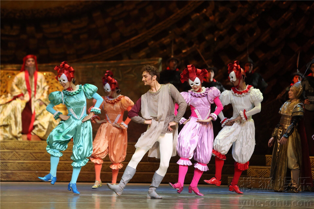 、国家大剧院与总政歌舞团联合制作的舞剧《马可&8226;波罗》.-