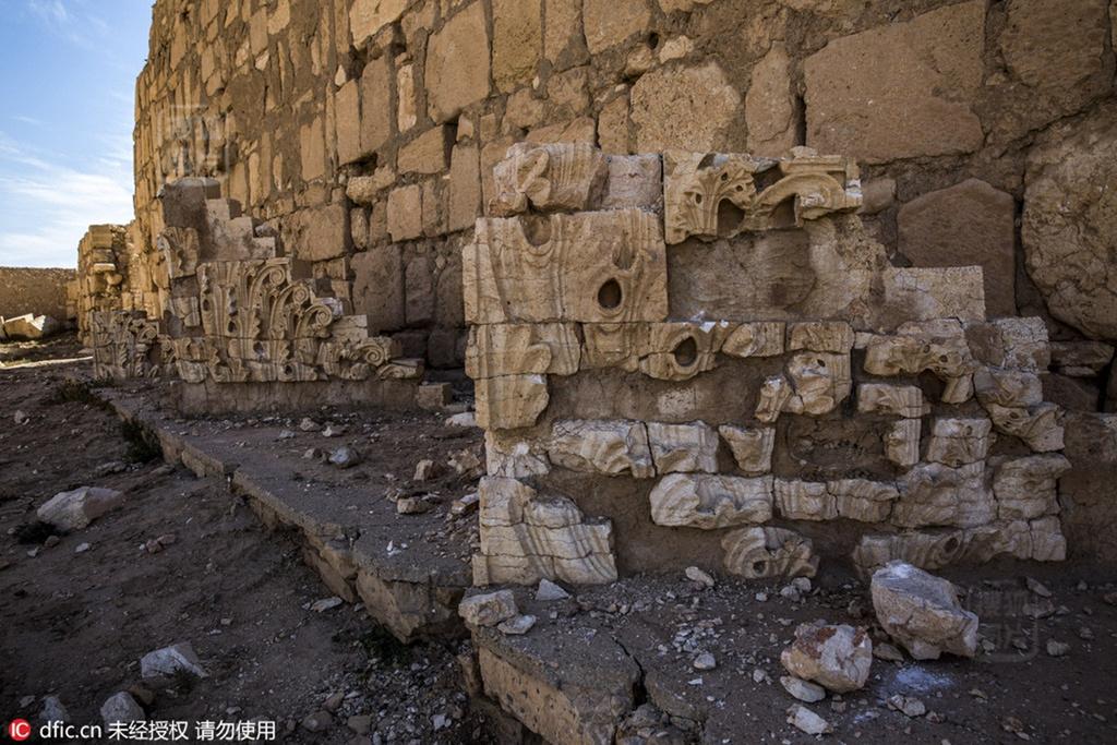 2015年5月21日,IS在从叙?-挺过千年风霜却不抵IS暴虐 古迹遭破坏图片