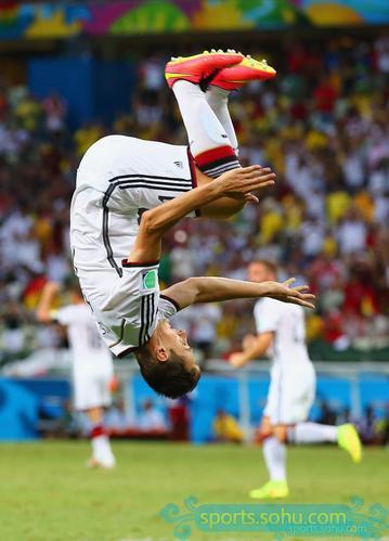 2014年6月22日,巴西世界杯小组赛第二轮,德国队2-2战平加纳,克图片