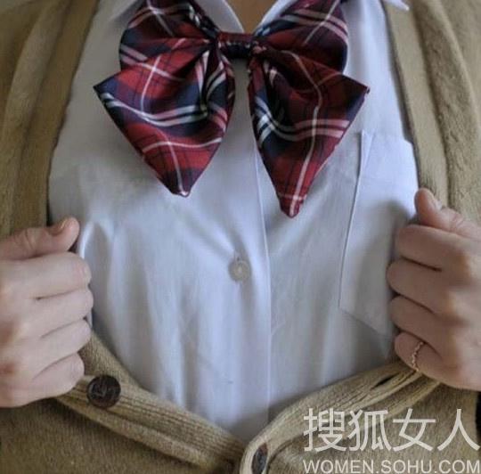 日本女学生拍行为艺术照