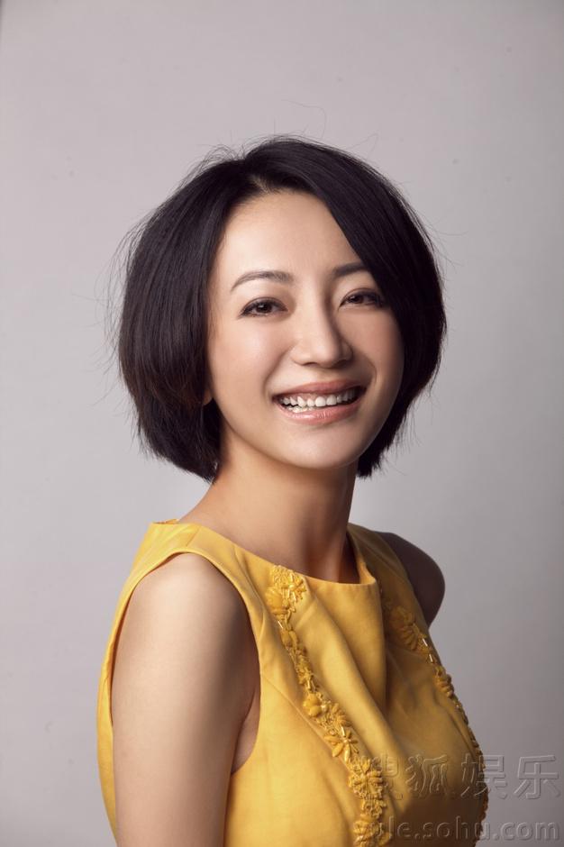舒遥时尚大气写真曝光 完美诠释文艺新女王