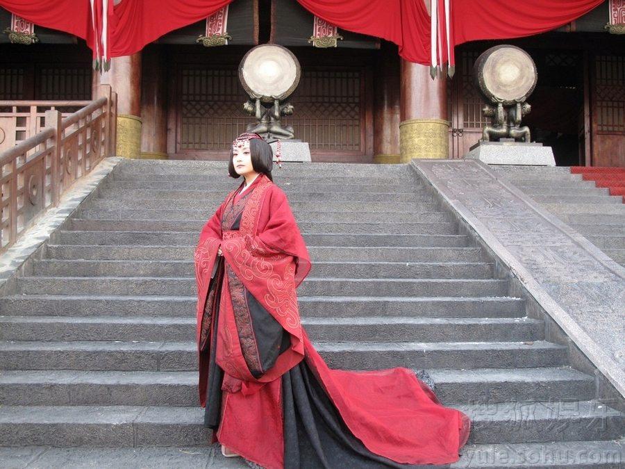 【转载】 《大秦帝国2》今晚开播 傅淼王后大婚照曝光