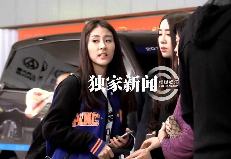 组图:张碧晨陈冰成闺蜜 天津旧居曝光非富二代