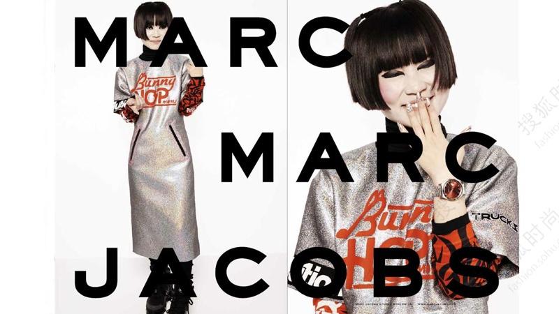 虽然现在正值炎夏之日,但是各大时装品牌的2014秋冬系列广告基本已经全部发布,星光熠熠,阵容强大。中国超模孙菲菲更是现身刚刚发布的Dior广告之中,实在让人惊喜。除此之外,群星助阵的Givenchy、黑白格调的Moschino,吉赛尔邦臣短发现身Balenciaga广告,还有浪漫神秘的Dolce&Gabbana都让人印象深刻,今天就来享受一下这一季的精彩时装广告吧!