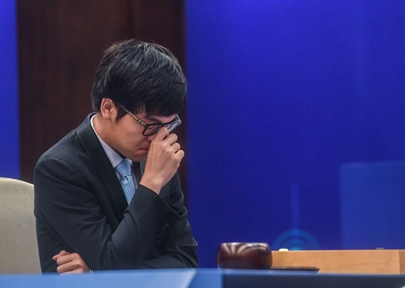 人机大战第二季第一局AlphaGo以1/4子击败柯洁