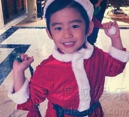 圣诞快乐!众星晒照庆祝圣诞节 温馨喜庆爱满满