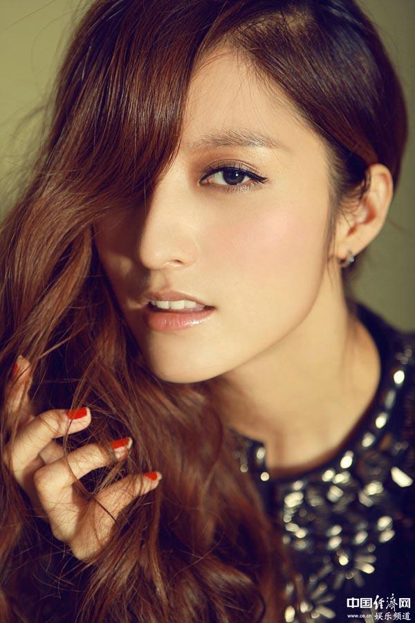 高清:潘辰浪漫写真青春洋溢