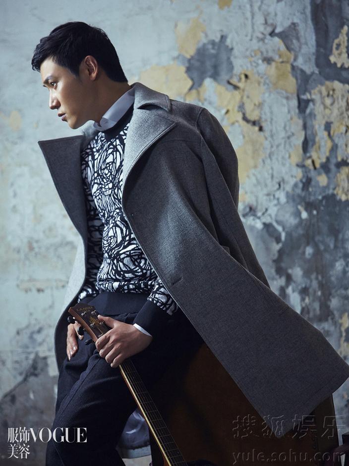 陆毅杂志拍时尚大片 黑白复古大片尽显帅气