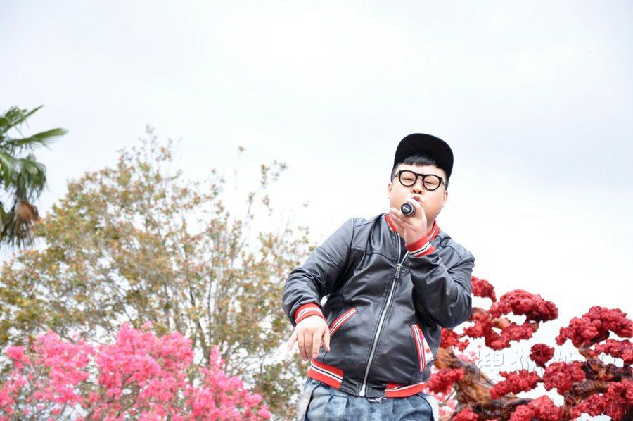 陆海涛录制《美丽中国》 首唱新歌引爆气氛
