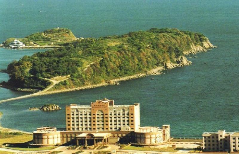 朝鲜夜生活实录金正恩亲自视察娱乐设施55贴标机配件图片