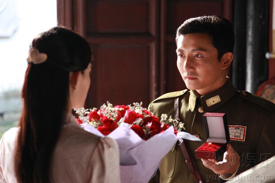 搜狐娱乐讯 由华谊兄弟天意影视公司打造的二十五集电视剧版《理发师