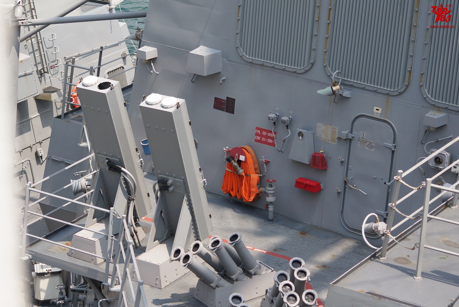 图纸伯克级驱逐舰造访香港学园武器遭曝光77白花细节美军军舰崩坏图片