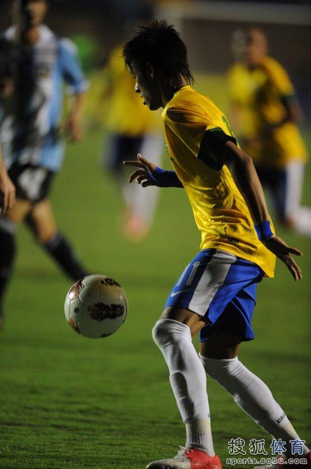 心相印二层压花10粒装-内马尔只收获一粒点球,巴西主场二比一 内马尔吧图片