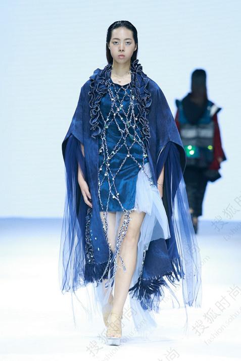 目前,江汉大学服装设计专业正致力于培养有国际化视野,符合市场经济