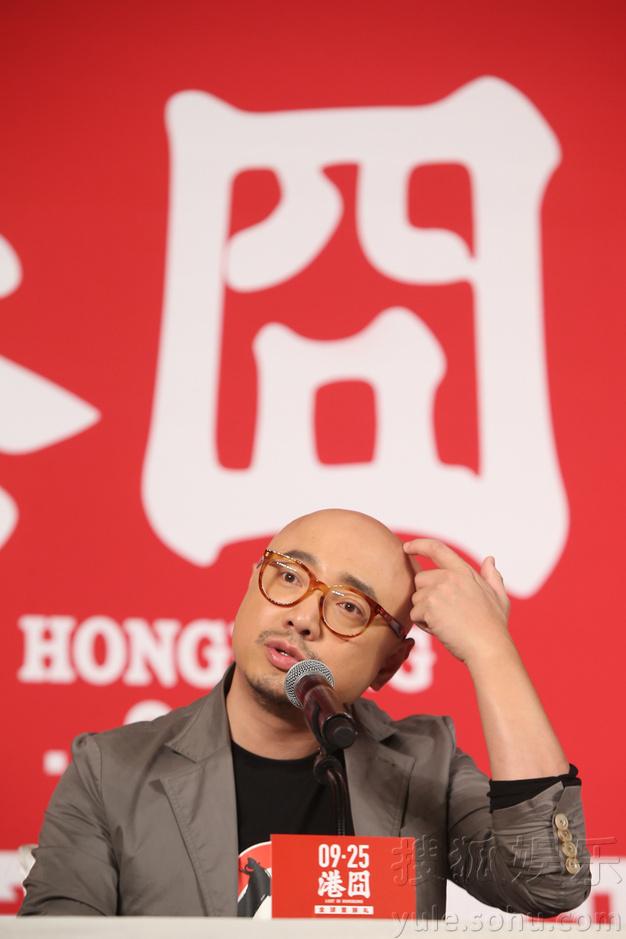 赵薇:因一场惊心动魄的床戏接演《港囧》8011