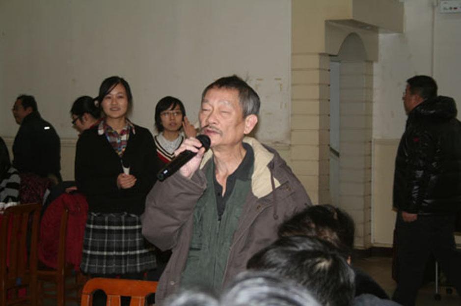 """【转载】 """"布鞋院士""""走红 - 上海的早晨 - sunhucheng2011的博客"""