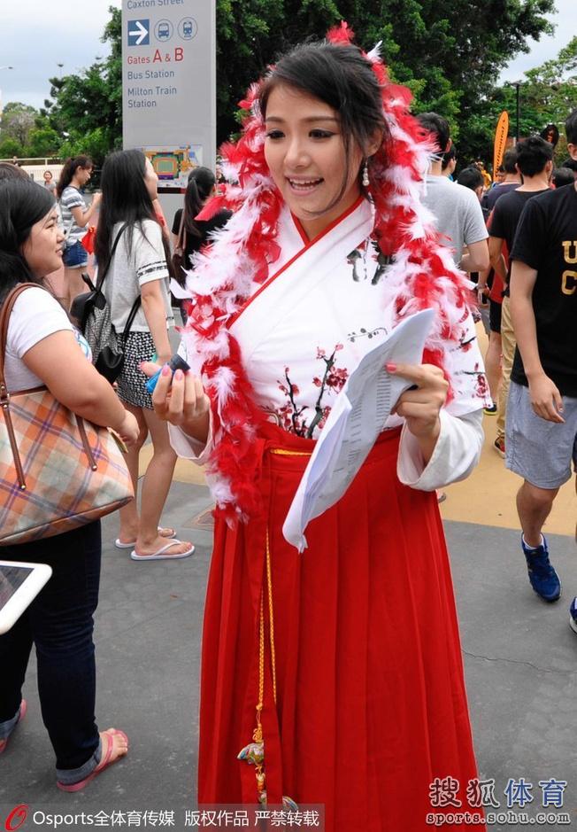 亚洲杯14日美女汇总:清纯妹惊为天人胸插国旗的4麦克斯a美女美女图片