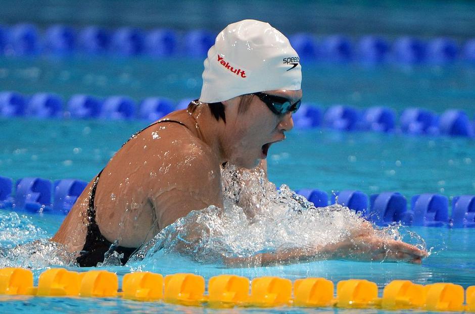 在女子400米个人混合泳决赛中,中国选手叶诗文状态不佳,仅游出4分38秒图片