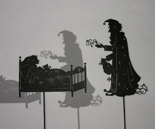 每个作品就是一个故事,有马车,有驾车的小动物,有魔法师,一切梦幻无比