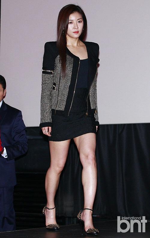 t ara等众星出席《朝鲜美女三剑客》试映会
