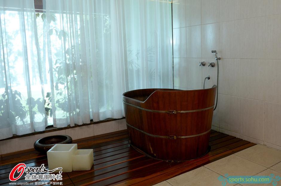 木桶浴按摩室舒适豪华