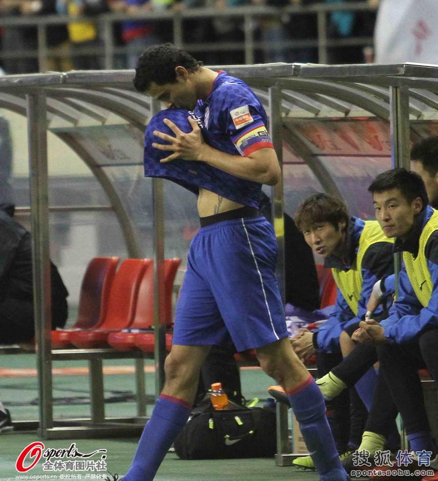 泰山四轮_莫雷诺进球蒙蒂略失点 鲁能0-1绿地惨遭三连败-搜狐体育