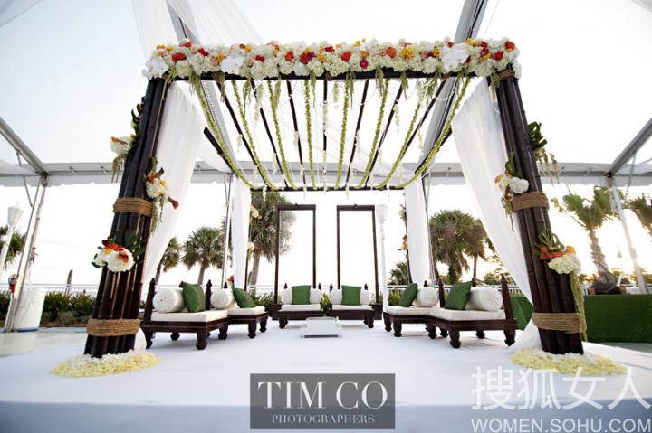 红色竹子花亭 异域风格户外婚礼