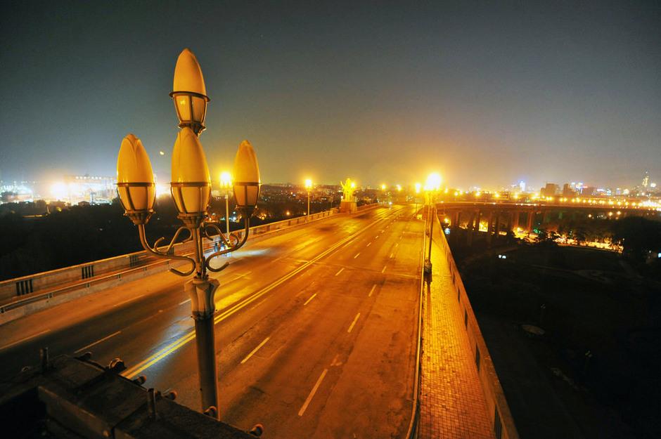 南京长江大桥连续六晚封闭检测