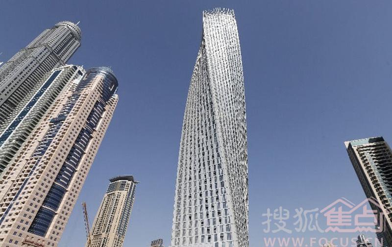 """世界最高住宅大楼迪拜""""公主塔""""8部电梯日前全部故障"""
