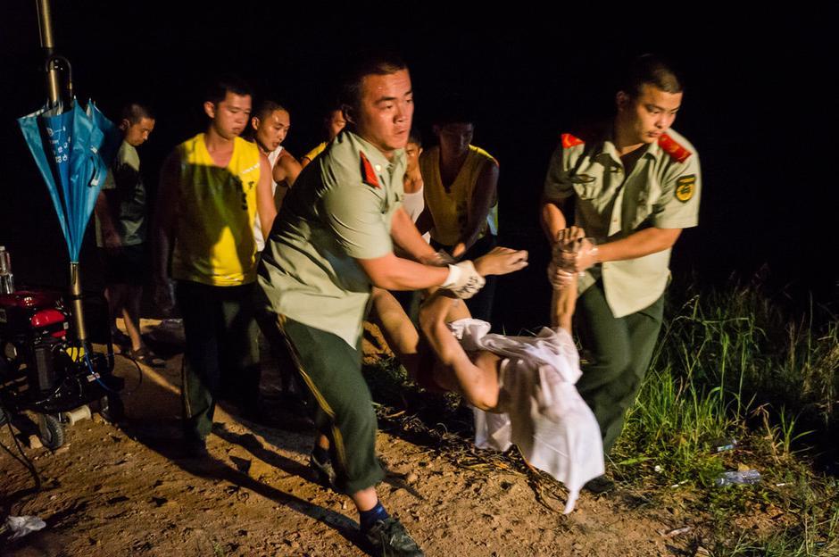 一学生落水四同伴相救全溺亡 - lvjunjiang - 林夕的博客