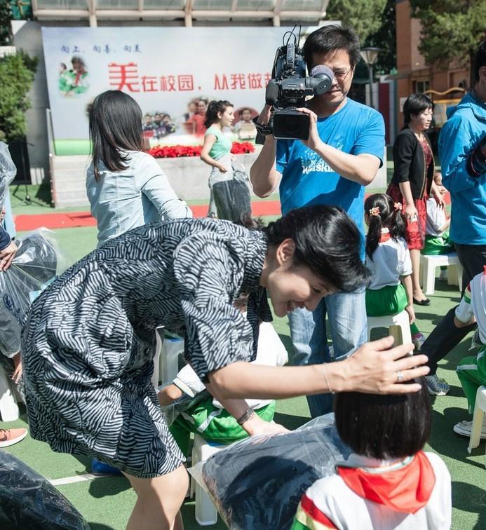 小学主持人董卿周涛与小学生过教师节549757校长央视罗边图片