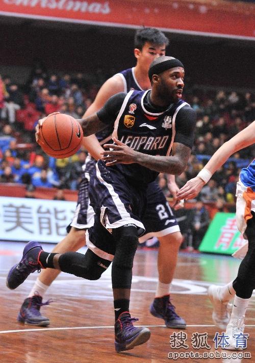 青岛十七中篮球