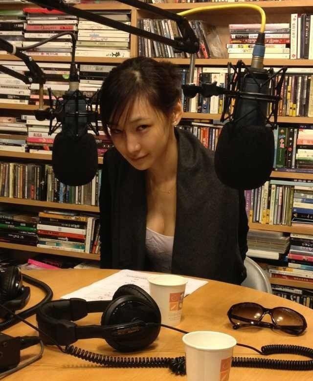 李荣浩前女友陆瑶私照 身高179上围傲人7538