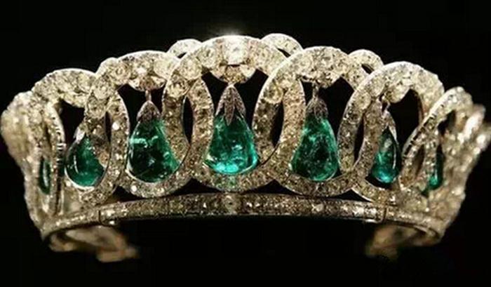 各国女王皇冠哪个最土豪