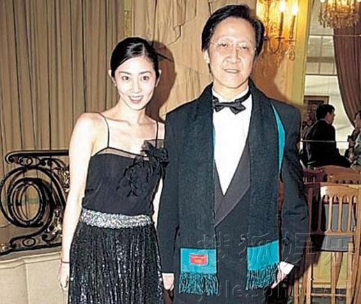 香港电影明星大佬_香港电影大佬向华胜去世 与明星旧照合集回顾