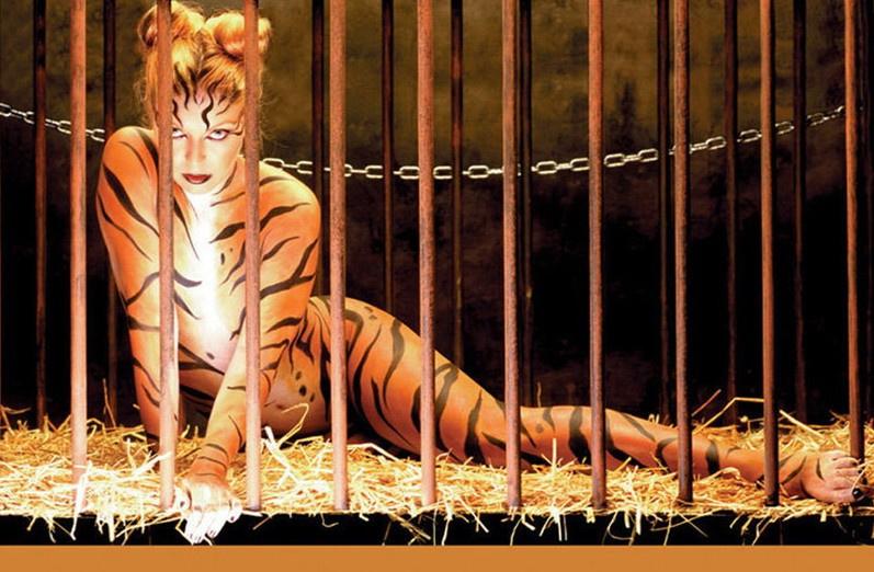 女星声援保护动物 全裸出镜拍摄公益广告