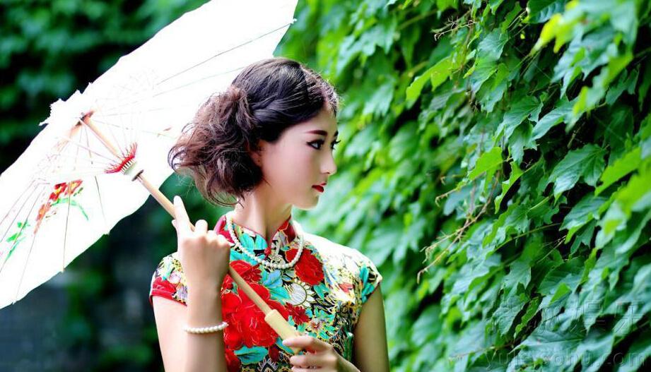 高清:成都准空姐穿旗袍比嫩 川妹子颜值身材俱佳