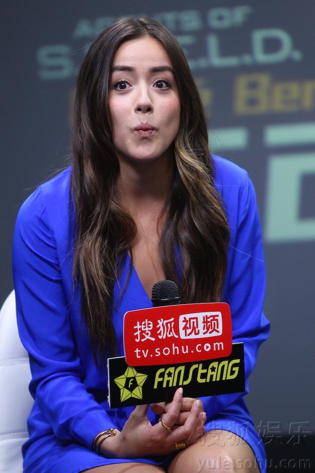 搜狐视频_《神盾》汪可盈访搜狐 亲笔写中文名送宅男粉丝