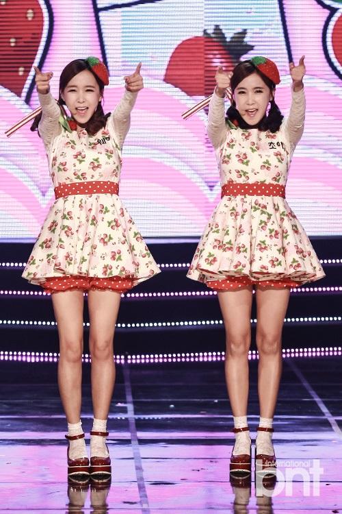 Secret宋智恩等献唱《冠军秀》 短裙秀完美身